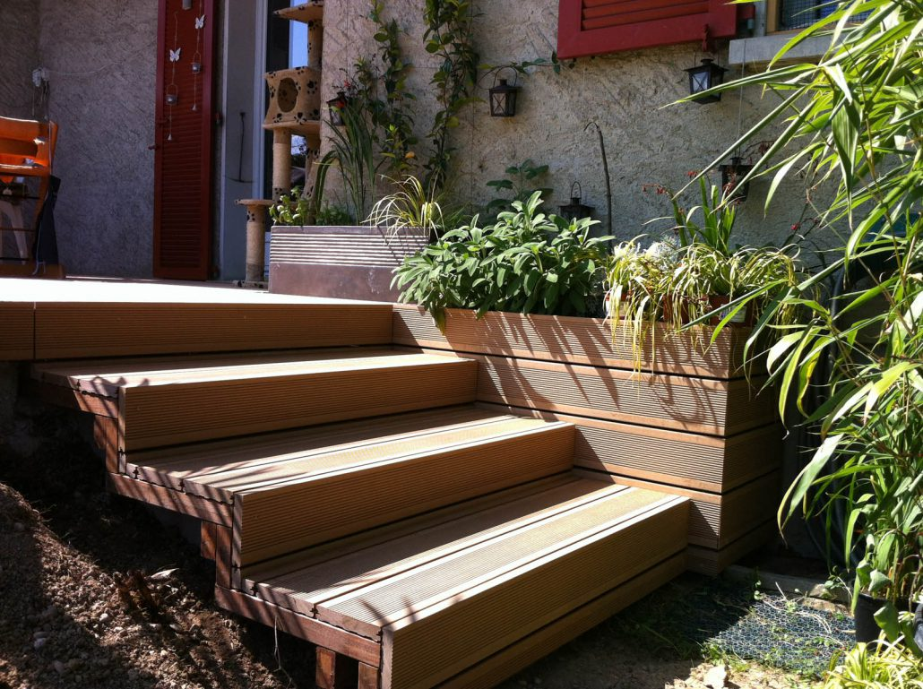 Construction terrasse en bois composite gen ve for Bois construction exterieur