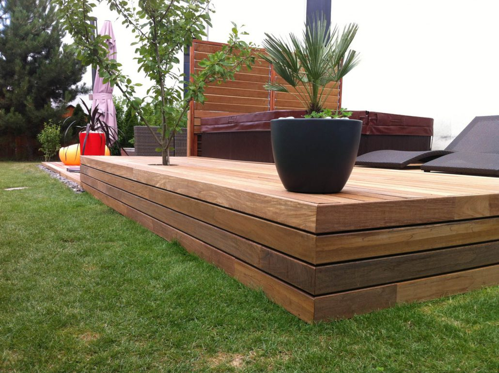 Construction terrasse en bois composite gen ve for Construction bois massif
