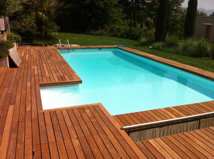 terrasse-bois-autour-piscine
