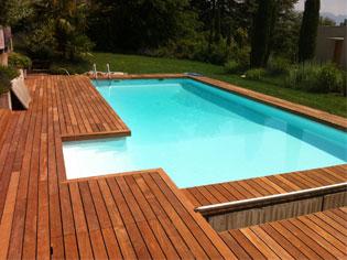 terrasse-bois-piscine-geneve